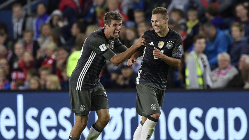Thomas Müller und Joshua Kimmich, Torschützen beim WM-Qualifikationsspiel gegen Norwegen