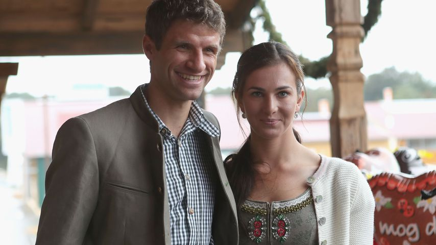 Thomas Müller und seine Frau Lisa auf dem Oktoberfest 2016