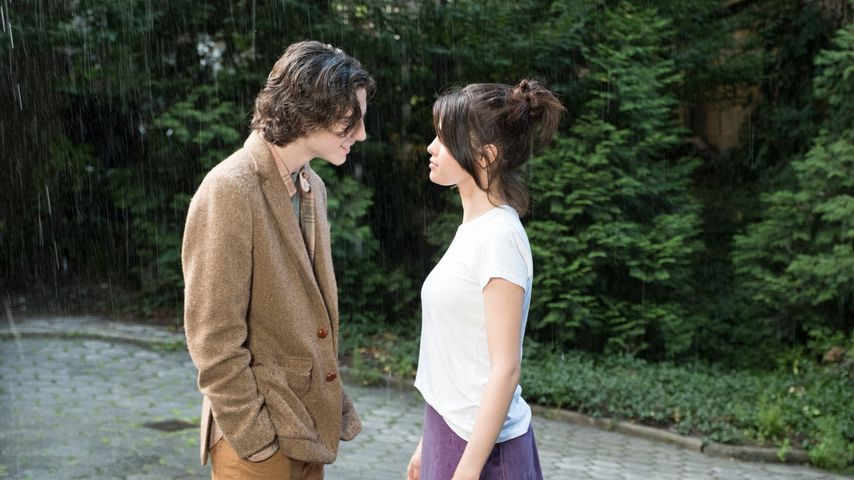 "Timothée Chalamet und Selena Gomez im Film ""A Rainy Day in New York"""