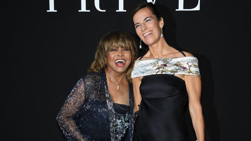 Tina Turner und Roberta Armani bei der Pariser Fashion Week