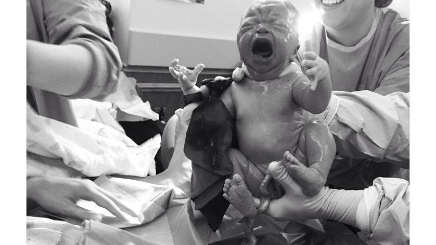 Aus dem Kreißsaal: Nikkole Paulun zeigt neugeborene Tochter