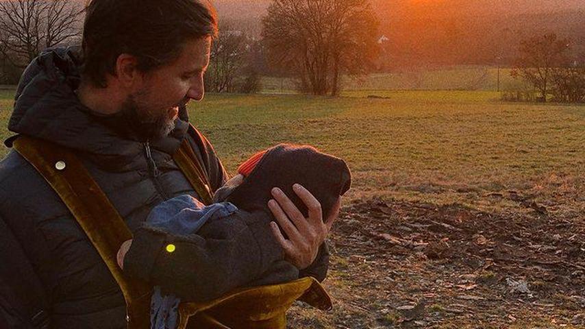 Tom Beck mit seinem Kind
