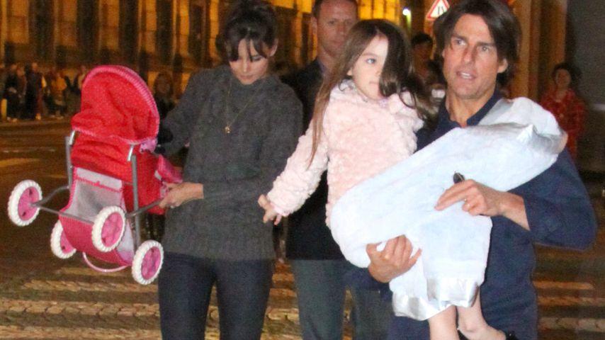 Tom Cruise, Katie Holmes und Tochter Suri in 2010