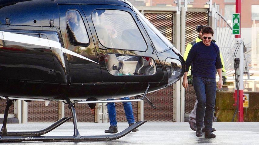 Mit mysteriöser Blondine: Tom Cruise im Helikopter unterwegs