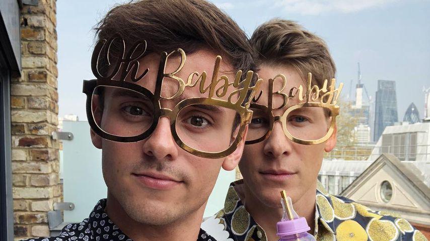 Tom Daley & Dustin Lance Black sind Papas: Ihr Baby ist da
