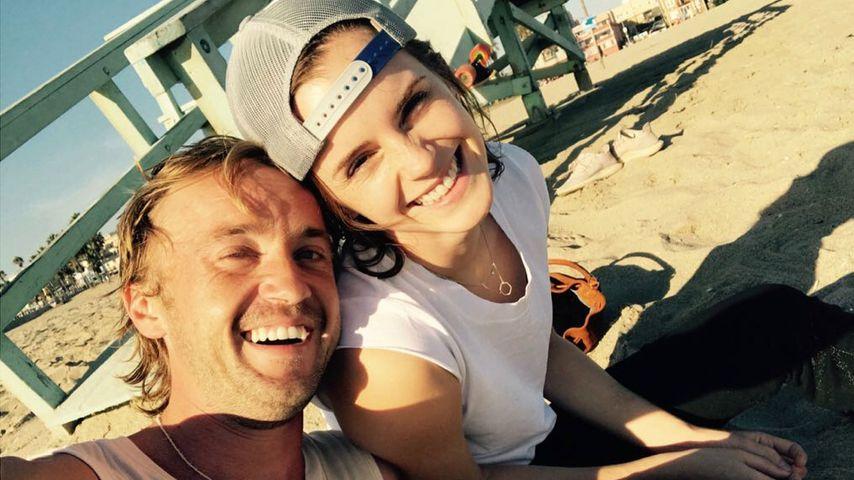 Seltenes Selfie: Emma Watson teilt süßes Pic mit Tom Felton