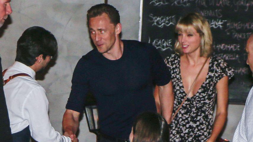 Tom Hidlleston und Taylor Swift im Restaurant in Gold Coast
