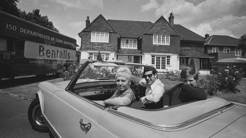 Tom Jones mit seiner Frau Melinda und ihrem gemeinsamer Sohn Mark 1967