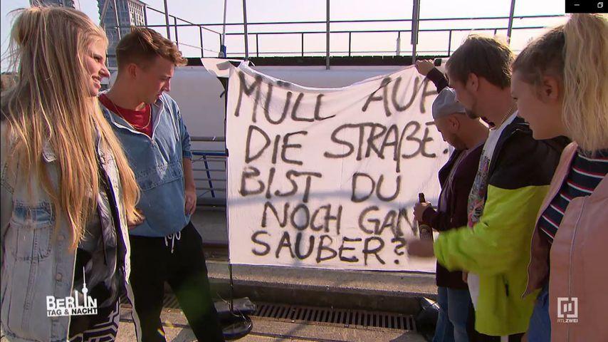 "Toni, Connor, Krätze, Schmidti und Lynn am ""Berlin - Tag & Nacht""-Hausboot"