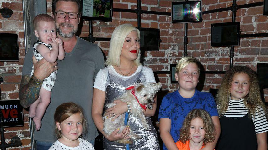 Tori Spelling und Dean McDermott mit ihren fünf Kindern
