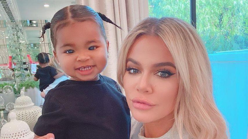 True Thompson und Khloé Kardashian im Oktober 2019