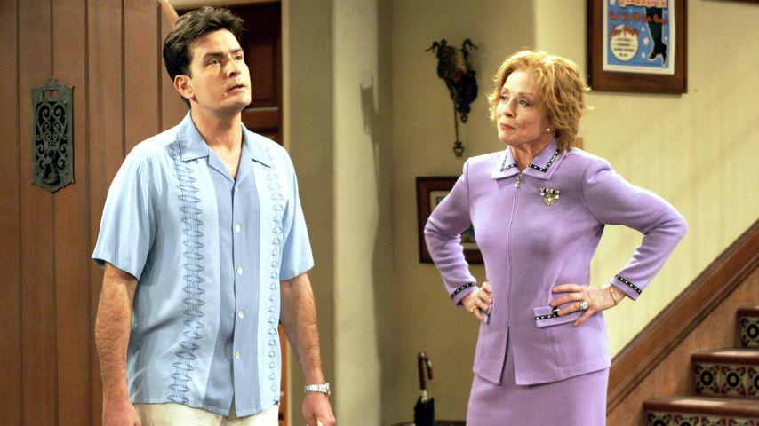 Charlie Sheen und Holland Taylor