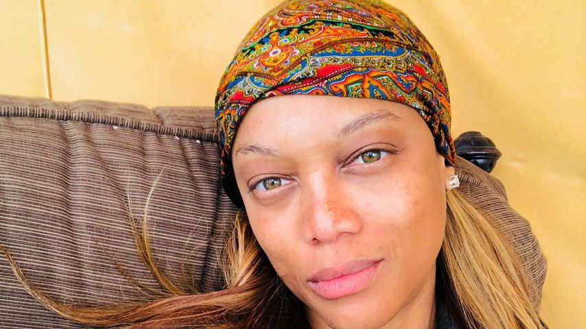 Komplett ungeschminkt: Tyra Banks im Glamping-Urlaub!