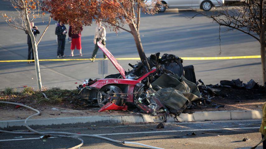 Überreste des Porsche GT am Unfallort von Paul Walker