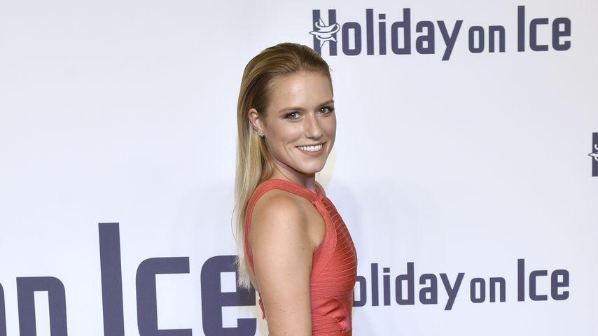 """Vanessa Meisinger bei der """"Holiday On Ice""""-Gala"""