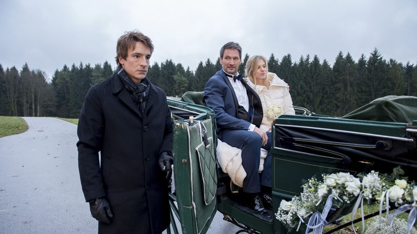 "Viktor (Sebastian Fischer), Christoph (Dieter Bach) & Alicia (Larissa Marolt) bei ""Sturm der Liebe"""