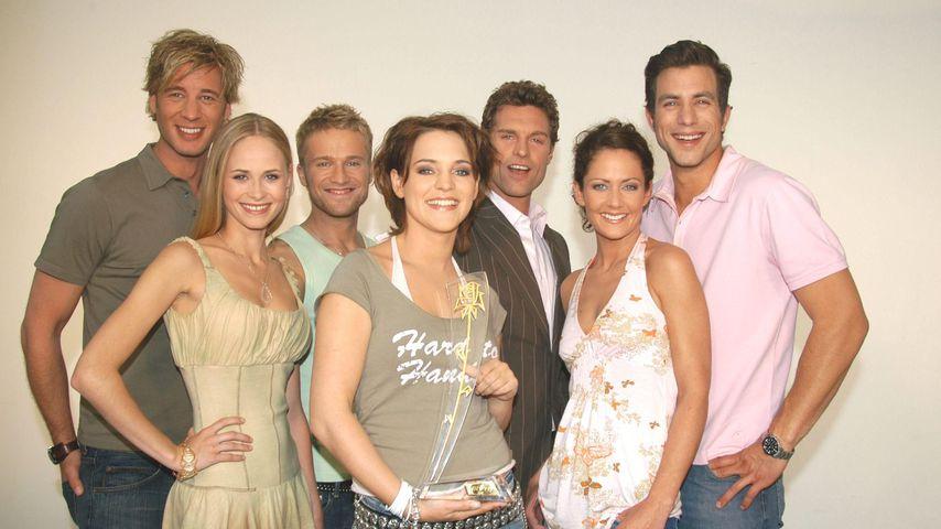 """Ron Holzschuh (3.v.r.) mit dem """"Verbotene Liebe""""-Cast von 2005"""
