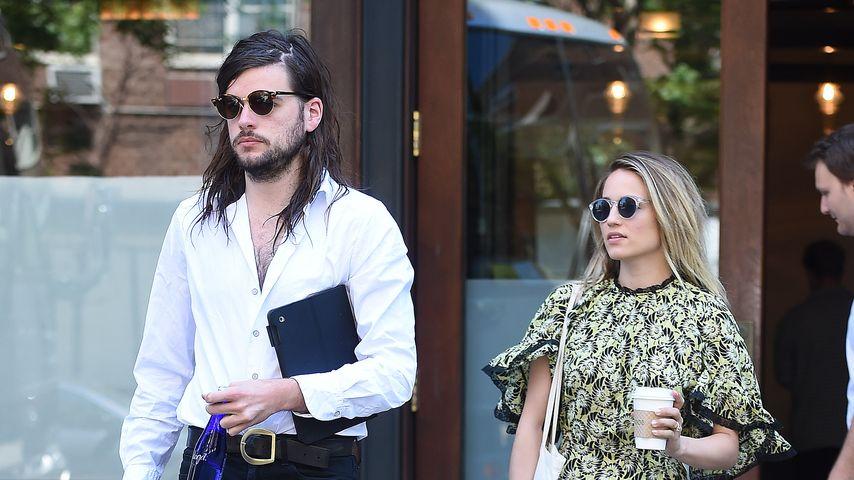 Winston Marshall und Dianna Agron in New York