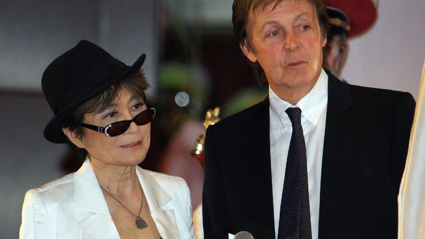 Yoko Ono & Paul McCartney gedenken John Lennons Exfrau (✝)