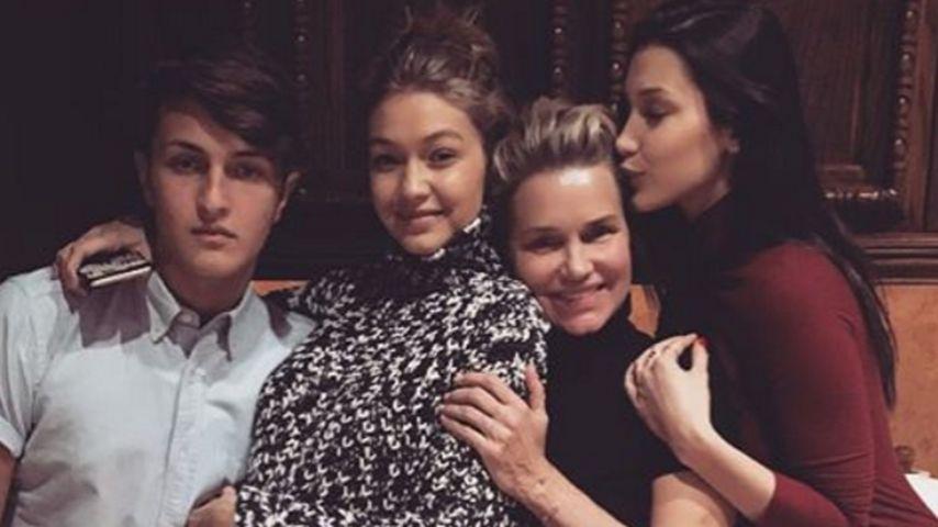 Gigi Hadid, Bella Hadid, Yolanda Foster und Anwar Hadid