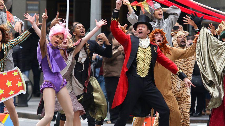 """Zendaya und Hugh Jackman am """"Greatest Showman""""-Set"""
