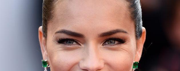 """Adriana Lima bei der Premiere des Films """"Julieta"""" in Cannes"""
