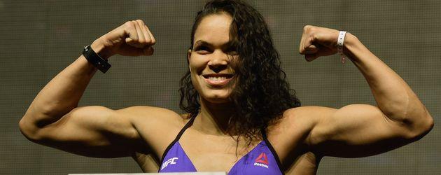 Amanda Munes, UFC-Kämpferin