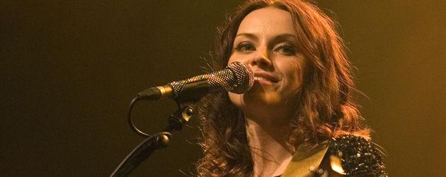 Amy MacDonald mit Gitarre