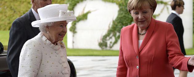 Queen Elizabeth II. und Angela Merkel