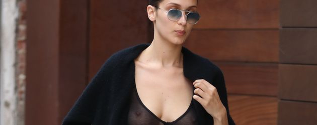 Bella Hadid, Model