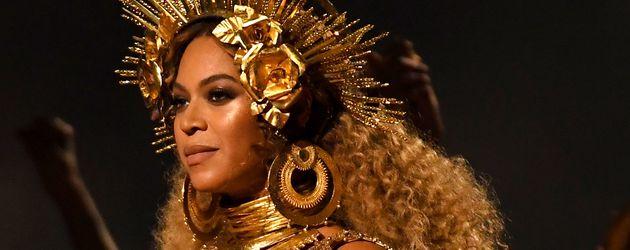 Beyoncé hochschwanger bei den 59. Grammy Awards im Februar 2017