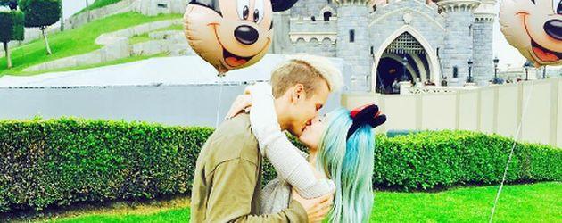 Julian und Bibi im Disneyland