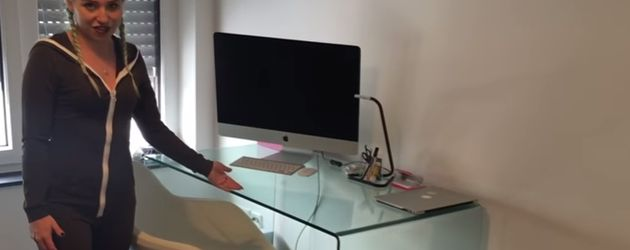 Bibi Heinicke in ihrer neuen Wohnung