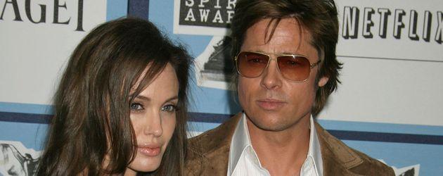 Brad Pitt und Angelina Jolie in Santa Monica im Jahr 2008