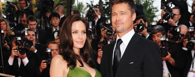"""Brad Pitt und Angelina Jolie auf der """"Kung Fu Panda""""-Premiere in Cannes, 2008"""