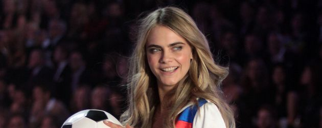 Cara Delevingne im November 2013 bei der Victoria's Secret-Show in New York