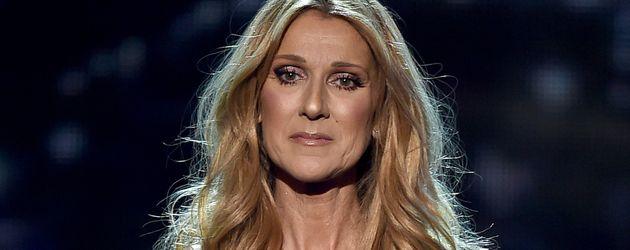 Celine Dion bei einem Bühnenauftritt