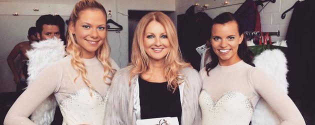 "Cheyenne Pahde, Frauke Ludowig und Franziska Benz (v.l.) Backstage bei ""AWZ"""