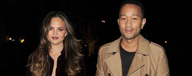 """Chrissy Teigen und John Legend beim Verlassen von """"The X Factor""""-Show in London"""