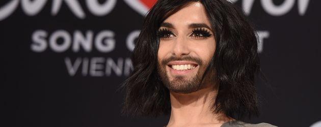 """Conchita Wurst bei der PK für den """"Eurovision Song Contest"""""""