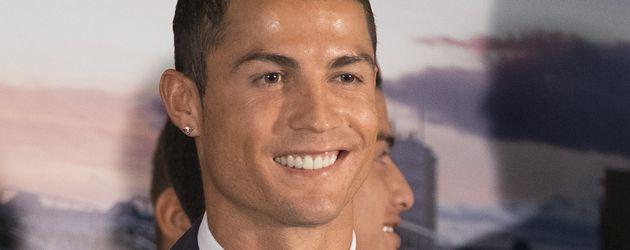 """Cristiano Ronaldo bei der Zeremonie zu seiner Ehrung als Real Madrids """"All Time Leading Scorer"""""""