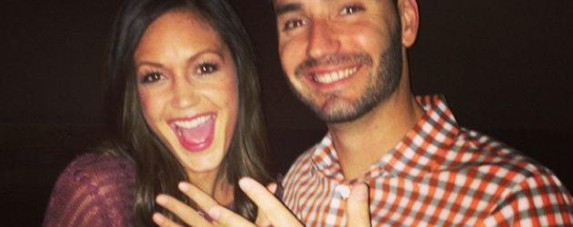 Desiree Hartsock und Chris zeigen ihre Ringe