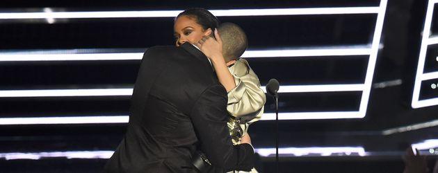 Drake und Rihanna auf der Bühne der VMAs 2016