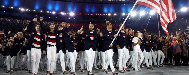 Die US-Mannschaft bei der Eröffnungszeremonie der Olympischen Spiele 2016