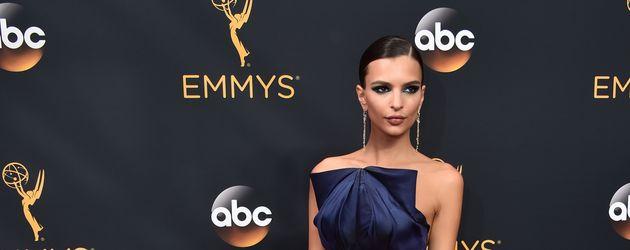 Emily Ratajkowski bei den Emmy Awards 2016