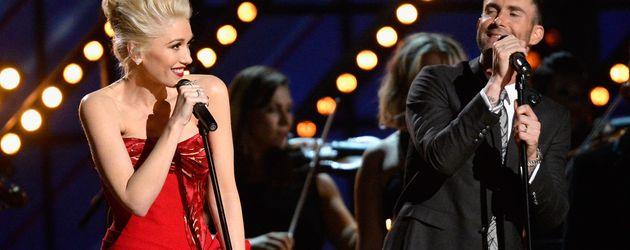 Gwen Stefani und Adam Levine bei den 57th Grammy Awards