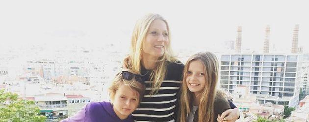 Gwyneth Paltrow mit ihren Kindern Moses und Apple in Barcelona