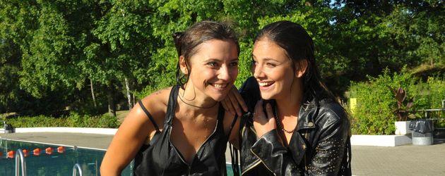 Janina Uhse und Linda Marlen Runge