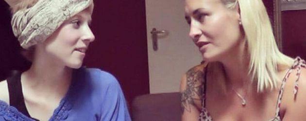 Sängerin Sarah Connor mit Fan Helena Zumsande