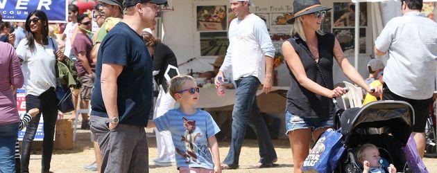 James Corden mit seiner Frau Julia und seinen Kindern Max und Carey